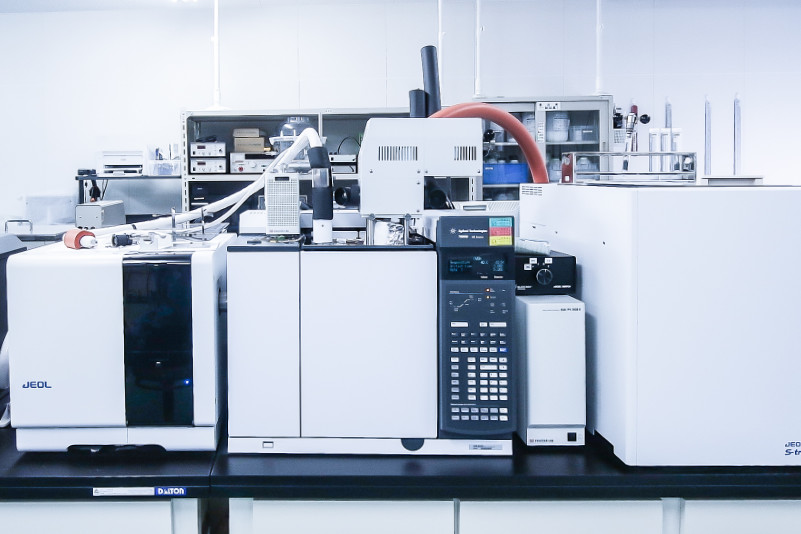 ガスクロマトグラフ               質量分析装置(GC-MS)