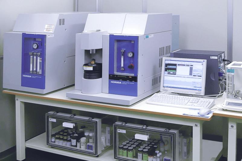 酸素・窒素分析計