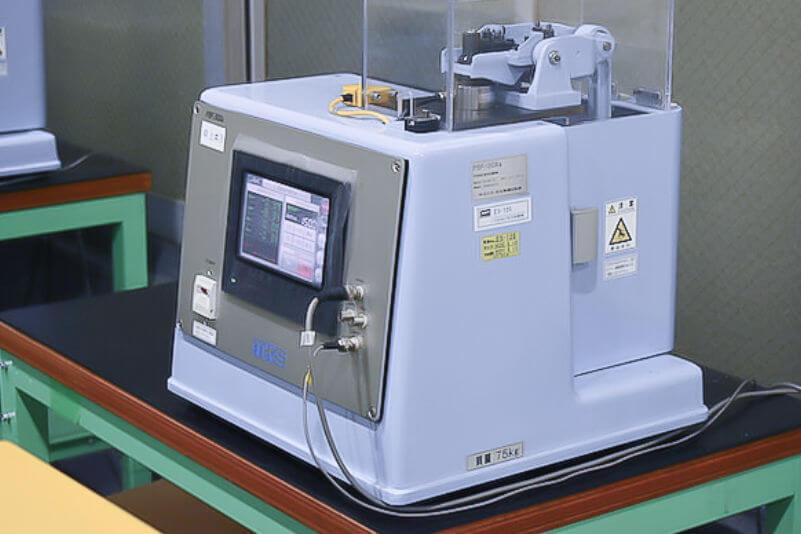 平面曲げ疲労試験機の写真